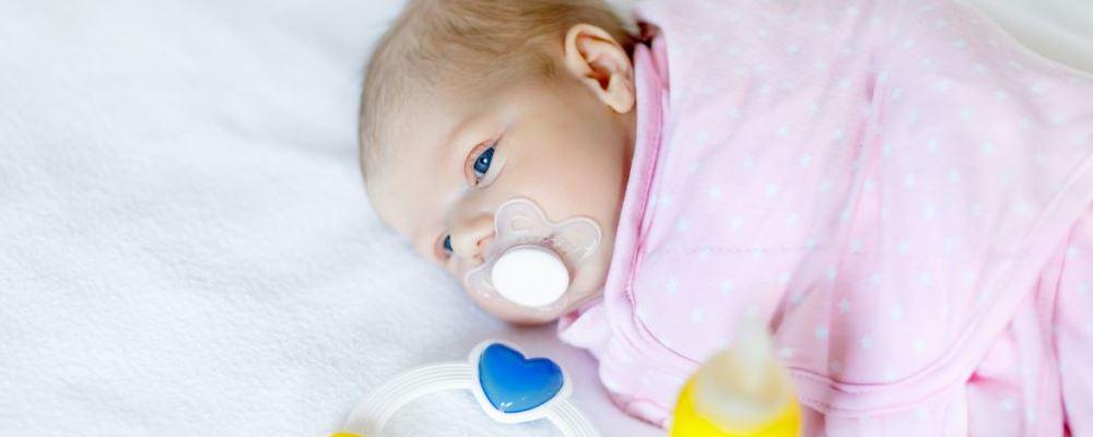 新生儿吐奶块怎么办 新生儿吐奶块的原因 新生儿吐奶块怎么护理