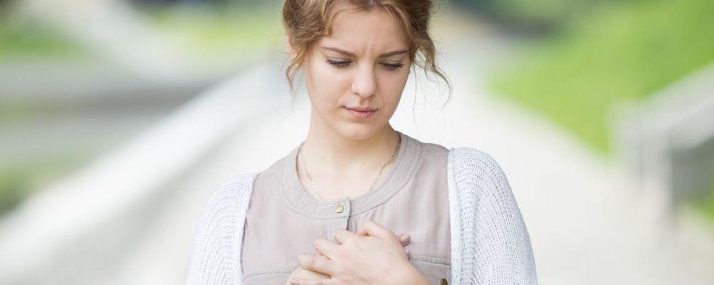 导致女性乳房下垂的原因 怎样改善胸部下垂