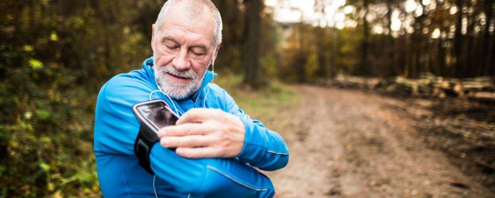 老人胃胀气的原因 老人胃胀气要注意哪些 胃胀气吃哪些食物好