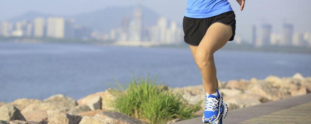 冬天泡脚的好处是什么 怎么泡脚最养生 泡脚能祛湿吗