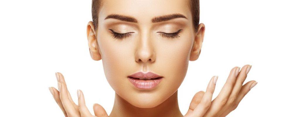 眼霜和眼部精华的区别是什么 为什么用眼霜会长脂肪粒 长脂肪粒怎么办