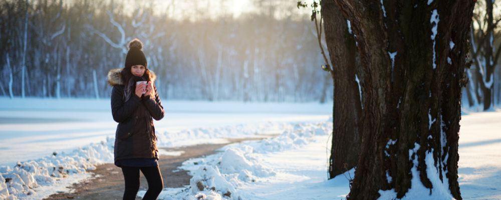 月经期是女人们特殊的时期,有些女性表示在来月经前总是很紧张。那么,遮盖怎么办呢?