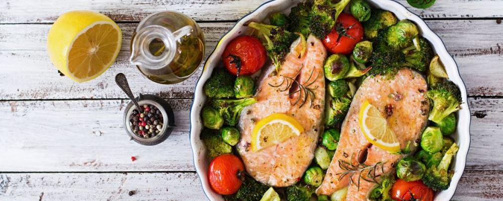 菠菜能和虾一起吃吗 菠菜不能和什么一起吃 吃菠菜的禁忌有哪些